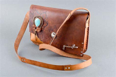 bolsos de cuero artesanales madeheart gt bolso de cuero artesanal marr 243 n y estiloso