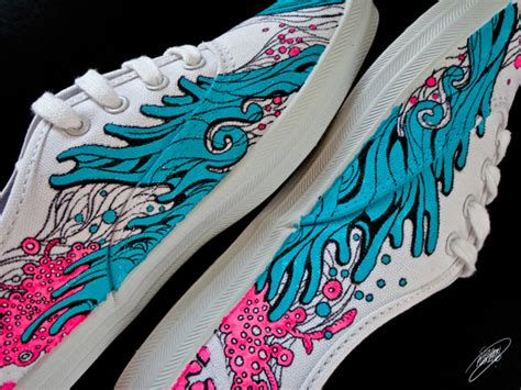 acrylic paint on canvas shoe waves in motion romang