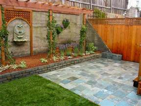 backyard feature wall ideas backyard fence ideas to keep your backyard privacy and