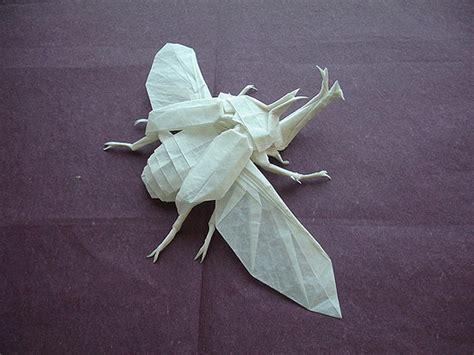 Origami A Big Badass Bug Made From Paper Bit Rebels