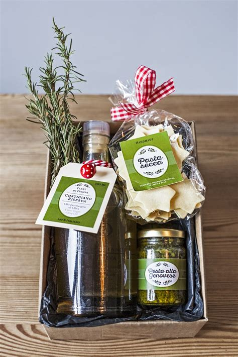food gifts for presents 25 best ideas about food gift baskets on food