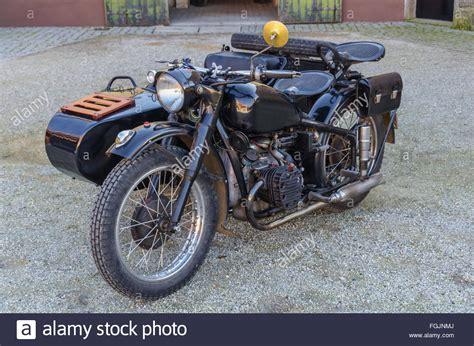 Motorrad Transport Holland Deutschland by Old Motorcycle Motorbike Sidecar Stockfotos Old