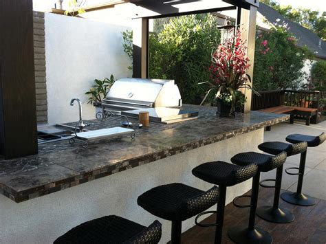 outdoor kitchens images outdoor kitchen bar ideas pictures tips expert advice