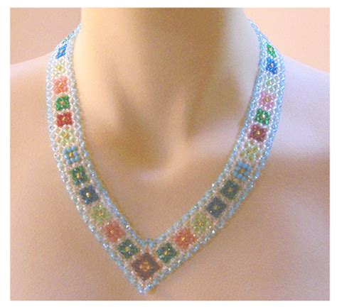 right angle bead weave necklace with diagonal right angle weave pattern