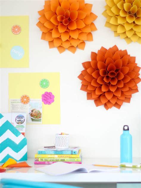 easy paper craft easy diy craft paper dahlias hgtv