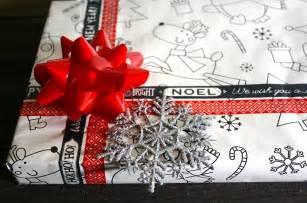 3 unique ways to wrap gifts island pulse magazine