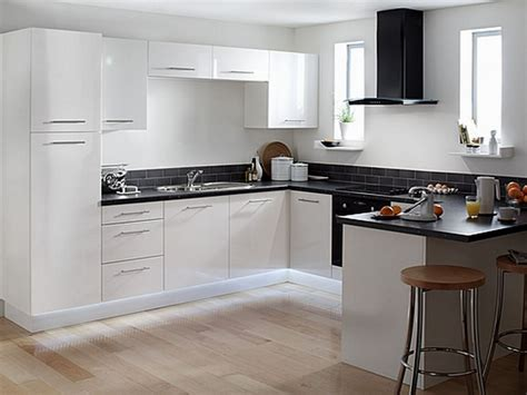 pictures of kitchens with white cabinets and black appliances buying white kitchen cabinets for your cool kitchen