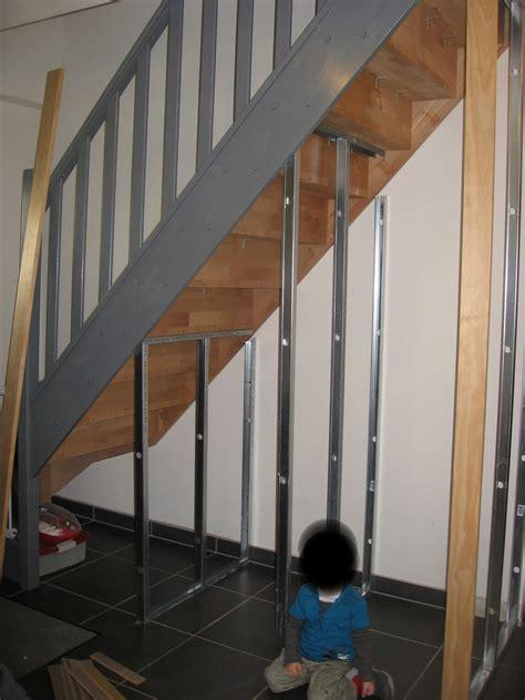 j ai d 233 couvert un amenagement placard sous escalier