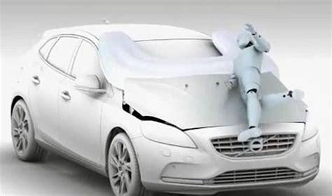 Volvo Airbag by Volvo Unveils Pedestrian Airbag
