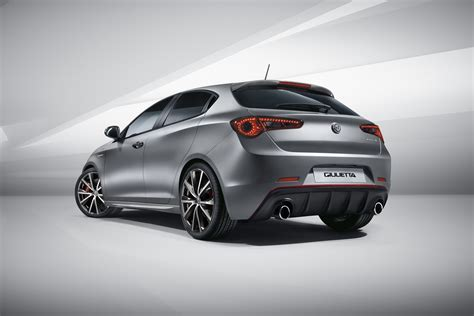 Alfa Romeo by Facelifted Alfa Romeo Giulietta Debuts With Modest Updates