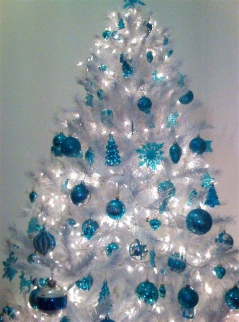blue white decorations 35 frosty blue and white d 233 cor ideas digsdigs
