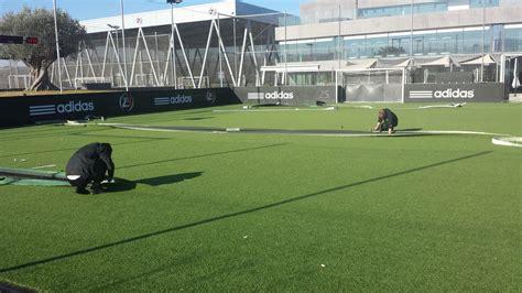 r 233 paration de terrain de foot indoor z5 aux milles football synth 233 tique gazon et pelouse