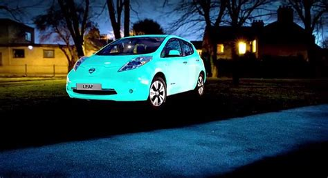 glow in the paint car nissan creates glow in the leaf car thanks to uv