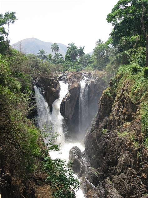 File:Menchum Falls NWprovince Cameroon.jpg - Wikimedia Commons