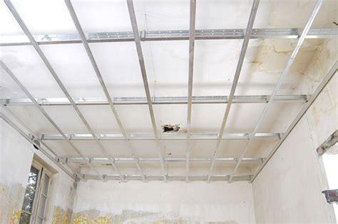 comment faire un plafond suspendu maison travaux