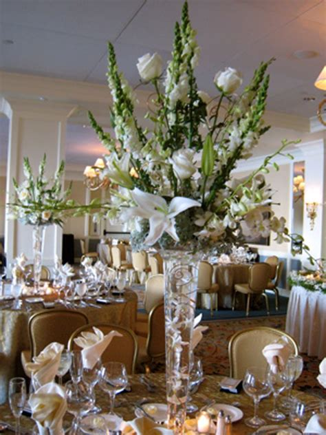 centerpieces with flowers wedding centerpieces with artificial green