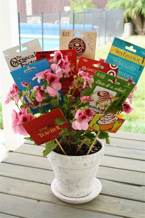 how to make a gift card bouquet 25 best ideas about gift card bouquet on