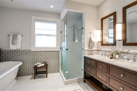 modern traditional bathrooms what makes the traditional bathrooms bath decors