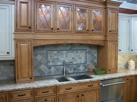 cleaning kitchen cabinet doors clean grease your cabinet doors home cleaning