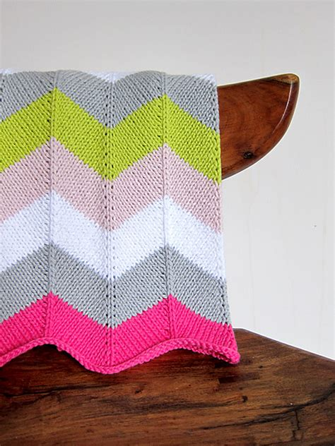 chevron knitted baby blanket pattern knitted stroller blankets to keep baby warm this winter