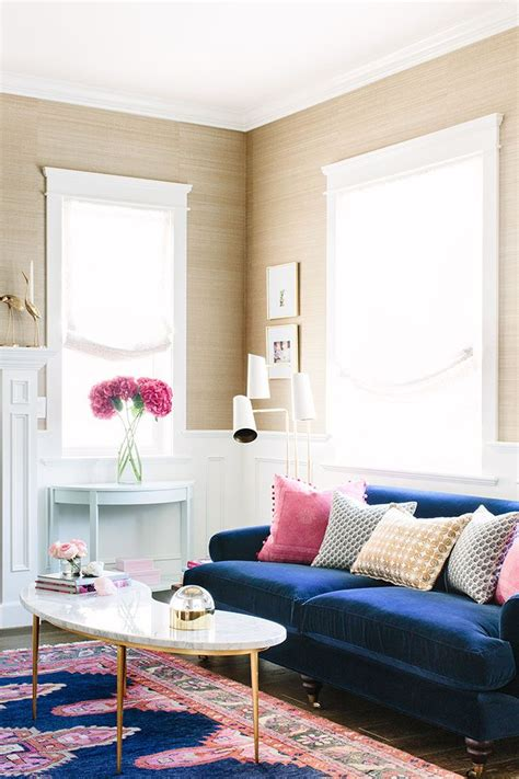 blue couches living rooms best 25 pink living rooms ideas on pink live