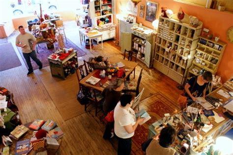 knitting shop cardiff aime l idee de plusieurs tables de travail yarn shop