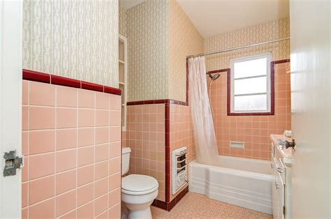 Old Bathroom Tile Ideas by Mary S Vintage Bathroom Decorated With Bradbury S Grete