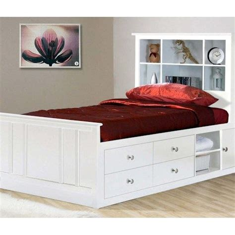 white captains bed 1000 ideas about captains bed on