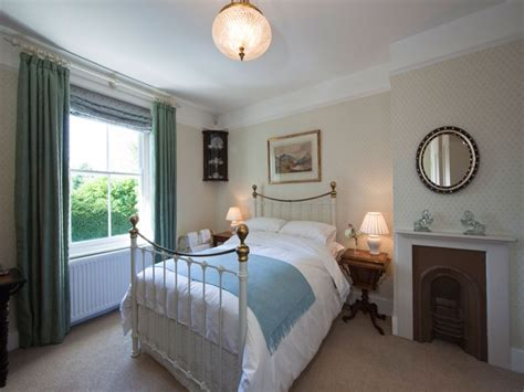 cottage style bedrooms cottage bedrooms country chic bedroom country cottage