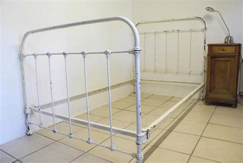 white shabby chic beds 1930s shabby chic white iron bed the bed