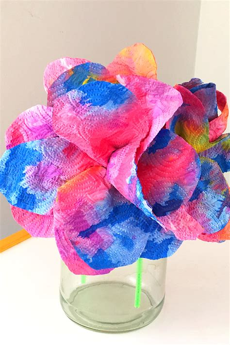 paper towel craft ideas craft idea drip painted paper towel flowers