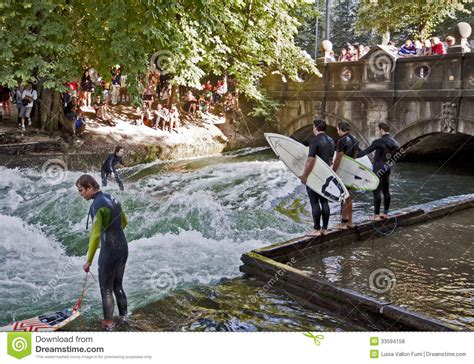 Englischer Garten München Surfwelle by And Tourists Surfers In Center Munich