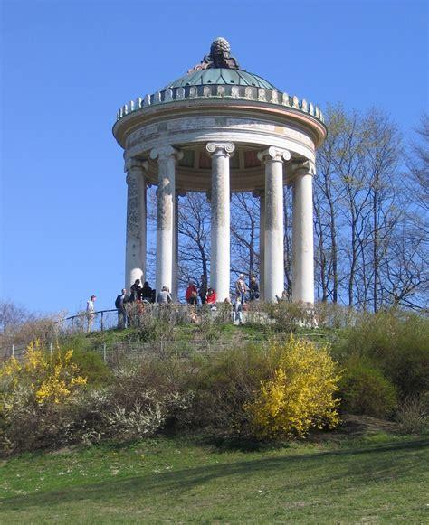 Englischer Garten München Sehenswürdigkeiten by Ordre Ionique