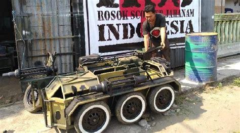 Modifikasi Vespa Tank by Begini Rasanya Mengendarai Vespa Tank Buatan Yogi