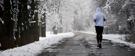 for winter 6 running tips to keep you safe this winter abc news