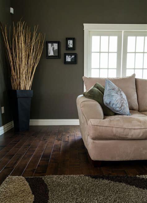 paint color for living room wood floor 20 amazing living room hardwood floors