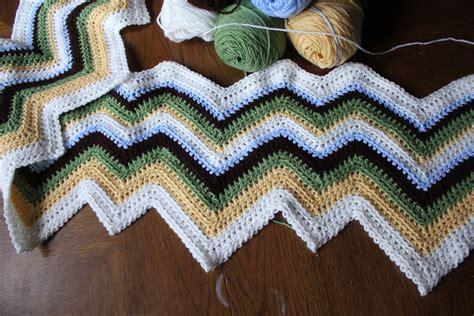 zig zag knitted blanket pattern zigzag afghan pattern crochet blanket the sweatshop of