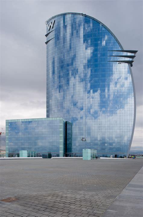 alquiler apartamentos por dias barcelona hotel w hotel vela 191 una nueva escultura para la costa