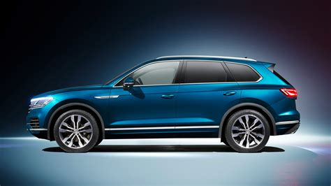 Volkswagen New by New Vw Touareg Techy Flagship Suv Revealed In Beijing