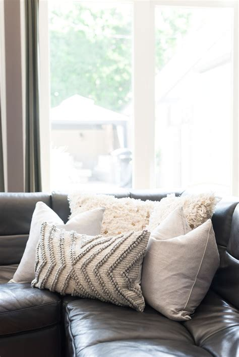 leather sofa pillows best 25 sofa pillows ideas on accent pillows
