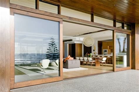 luxurious queensland residence offers dramatic