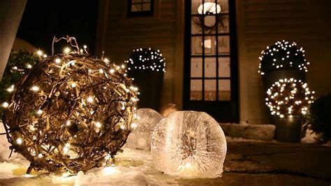 how to decorate a tree outside with lights decorations