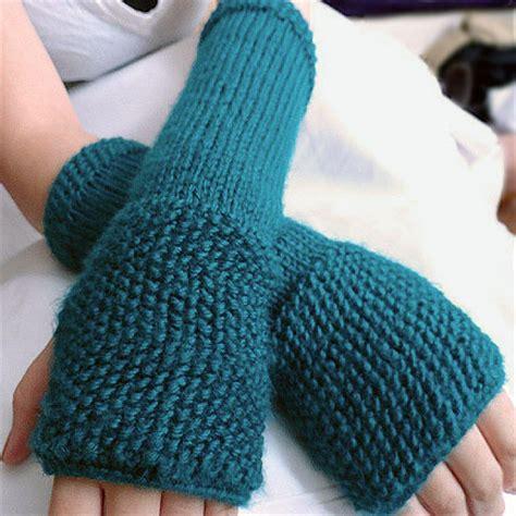 easy knit fingerless gloves seeded fingerless gloves pattern purl avenue