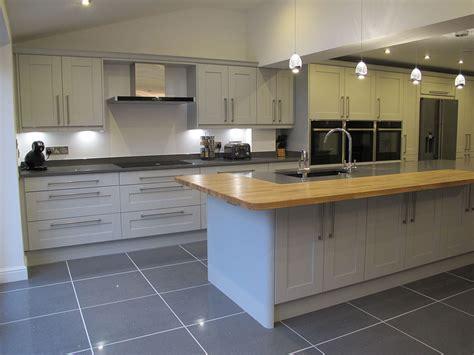 light grey shaker kitchen light grey shaker new kitchens