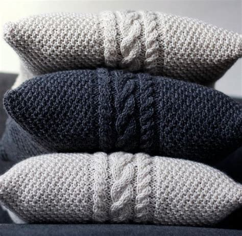 how to knit a pillow 25 knit home d 233 cor ideas for this winter shelterness