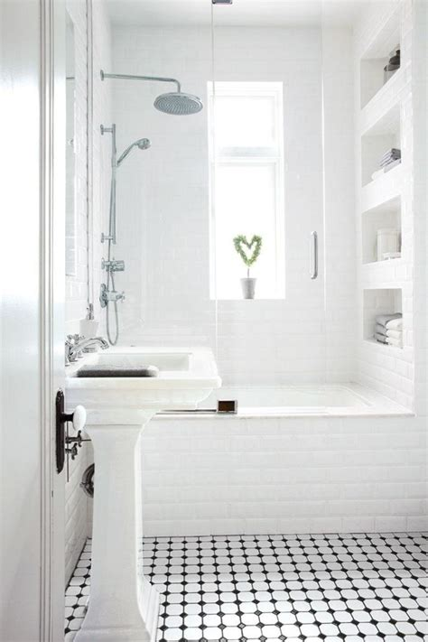 black and white small bathroom ideas comment agrandir la salle de bains 25 exemples