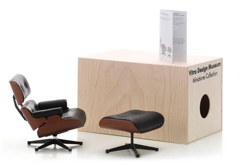 Vitra Eames Lounge Chair Replica by Vitra Lounge Chair En Ottoman Miniatuur