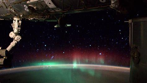un astronaute de l iss filme une aurore bor 233 ale depuis l espace