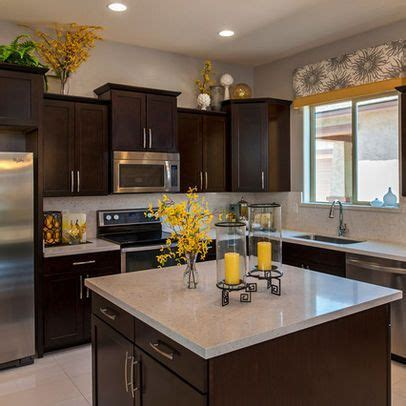 yellow and kitchen ideas 25 best ideas about yellow kitchen decor on