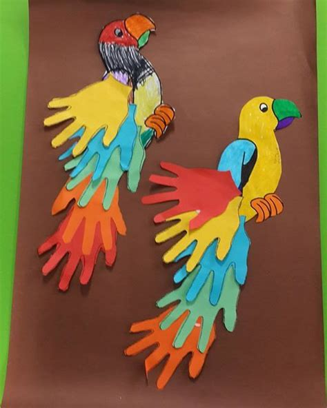 how to make parrot with craft paper 25 best ideas about parrot craft on daycare